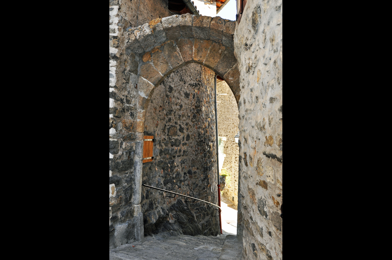 La porte féodale