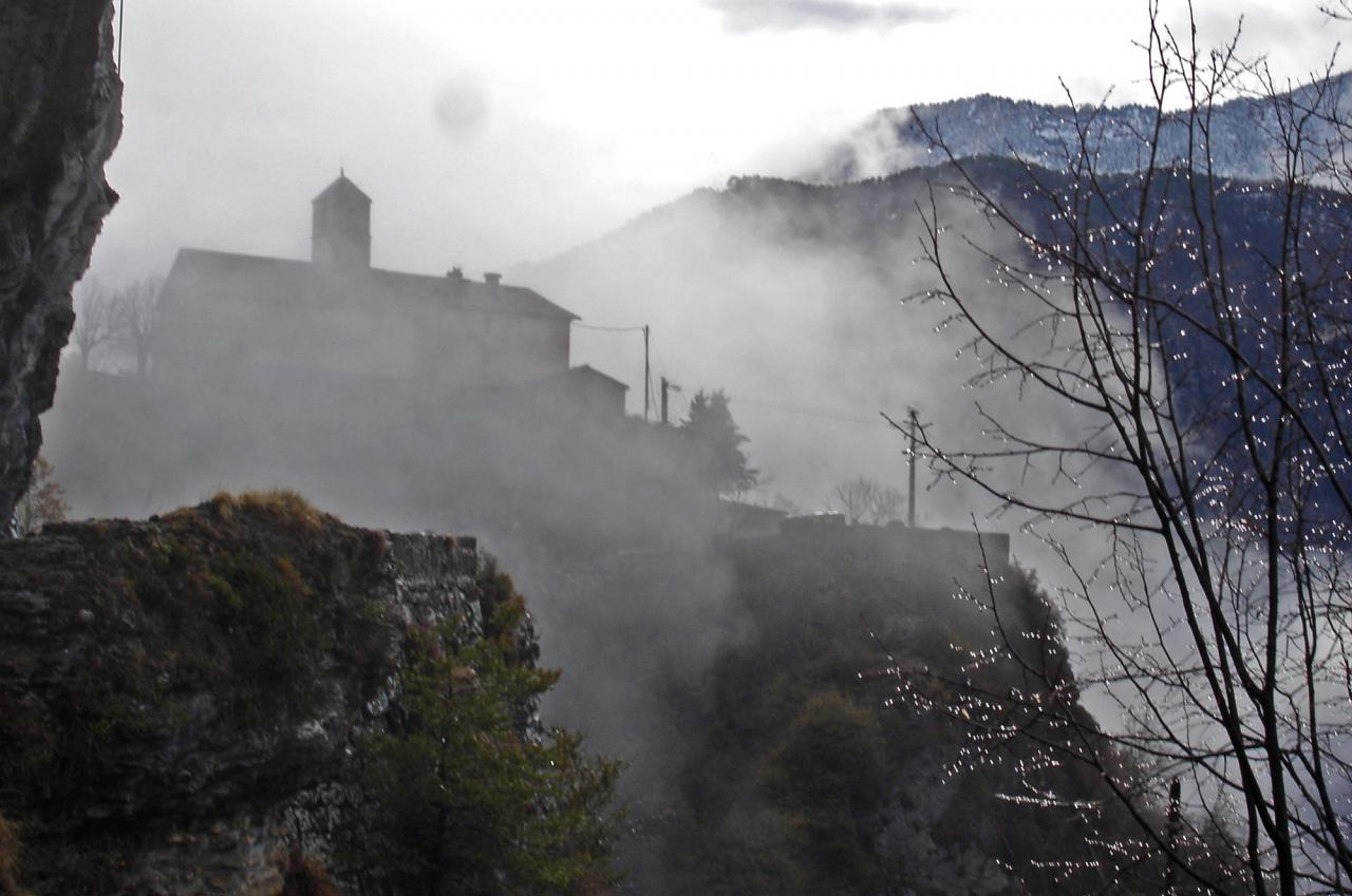 L'église Saint-Pons dans les nuages
