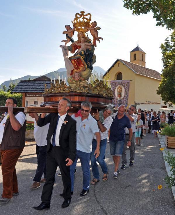18 08 26 procession