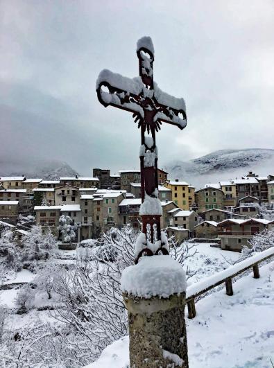 20 12 28 neige croix 1