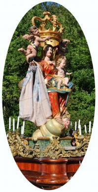 Vierge foulard 2